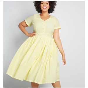 NEW MODCLOTH VINTAGE INSPIRED YELLOW DRESS SIZE 14